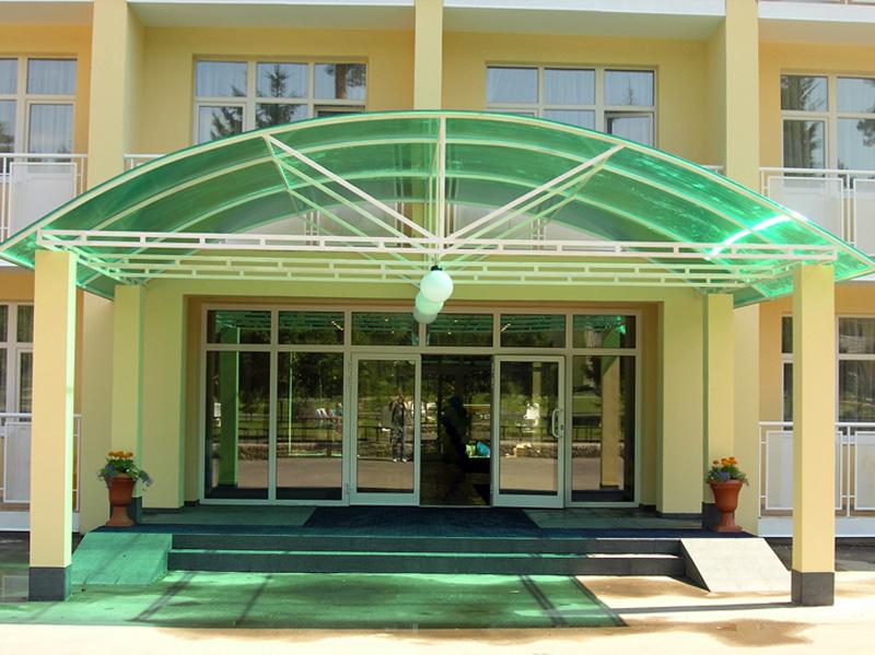 Респектабельный фасад новых корпусов отеля Атлас парк, интересные...
